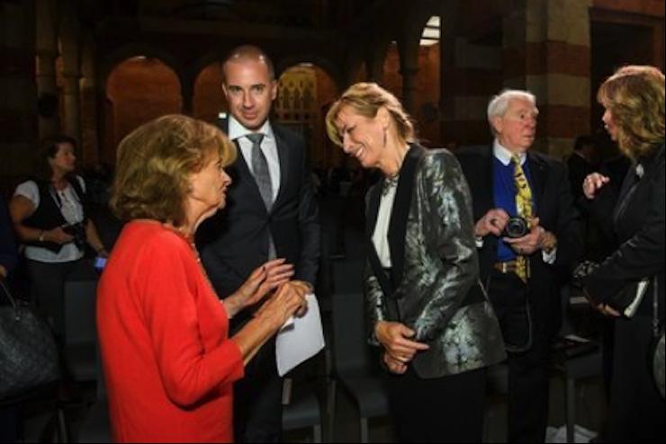 Das Bild zeigt Dr. h. c. Charlotte Knobloch, Präsidentin der Israelitischen Kultusgemeinde München und Oberbayern mit dem Generalkonsul und Anita Herczegh.